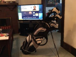 Precise complete set golf clubs. 460 cc driver. 10 1\2 loft. 3 wood and 21 loft hybrid. 6 7 8 9 Pitching wedge and putter. Right handed... med. fir for Sale in Pittsburgh, PA