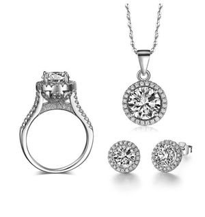 New 18 k white gold jewelry set for Sale in Jacksonville, FL