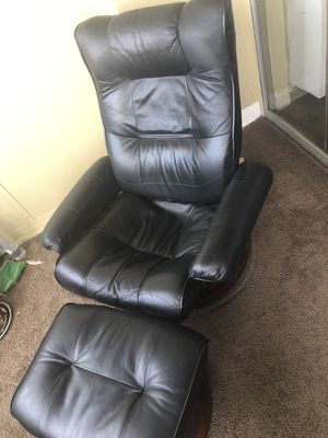 Black leather recliner and ottoman. for Sale in Atlanta, GA
