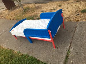 Free kids bed for Sale in Gilroy, CA
