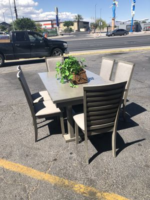 Dining table for Sale in Las Vegas, NV