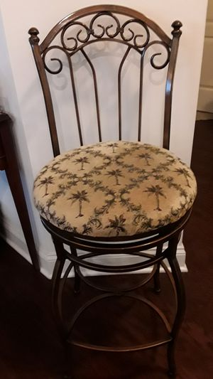 Stools 3 Pub height great shape for Sale in Glassboro, NJ