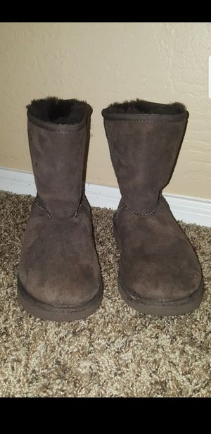 Youth Uggs size 2 for Sale in Surprise, AZ