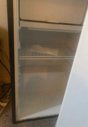 Mini fridge for Sale in Fort Washington, MD