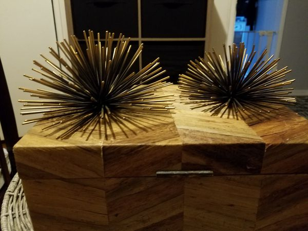 Metal Spiked Wall Decor