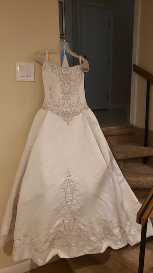 Wedding Dress for Sale in Frostproof, FL