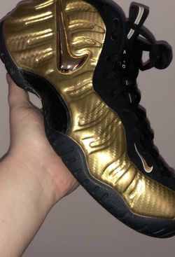 Gold foamposites 10.5 no box for Sale in Kent,  OH