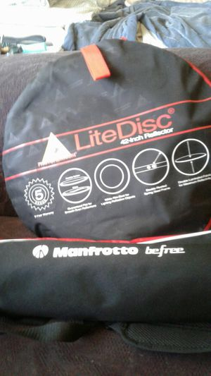 Photo flex light disc and manfrotto befree tripod for Sale in Portland, OR