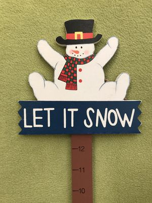 """Let it Snow"" winter sign/decoration for Sale in Bolingbrook, IL"