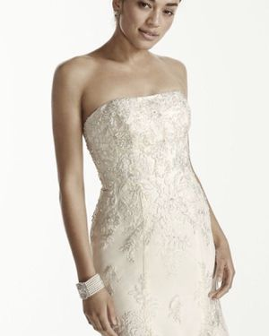 New Oleg Cassini Floral Tulle Trumphet Wedding Dress Size 10 for Sale in Placentia, CA