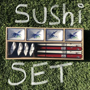 Sushi Set for Sale in San Bernardino, CA