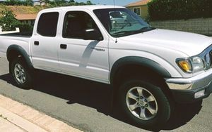 INTENSE COMFORT IN 2003 Toyota Tacoma White color perfecet condition for Sale in Tampa, FL