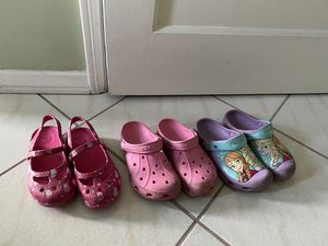 Girls crocs, Hello Kitty and Elsa for Sale in Arcadia, CA