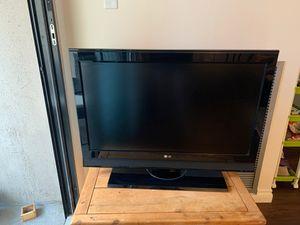32 inch LG TV for Sale in Denver, CO