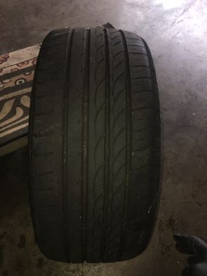 Dimax R8 Radial Tire 235/35/R19 91Y for Sale in Santa Ana, CA