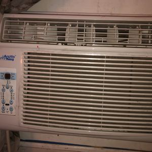 Artic king window AC for Sale in Moreno Valley, CA