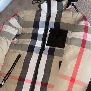 Burberry Puffer Coat Men Size Xs/small for Sale in Atlanta, GA
