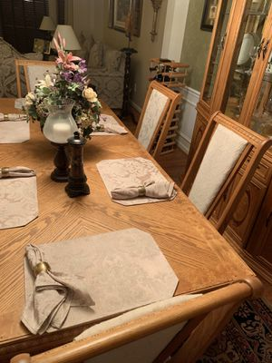 Dining Room Set for Sale in High Point, NC