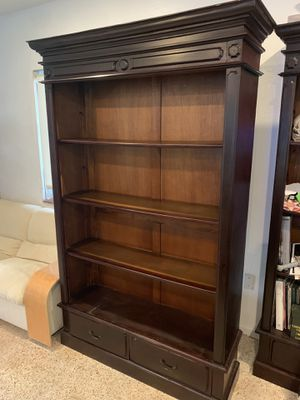 Real Wooden Bookshelves for Sale in Miami, FL
