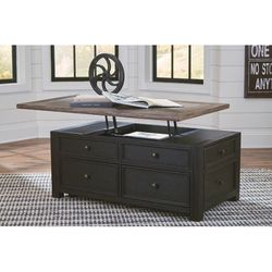 Coffee Table (Lift Top) for Sale in Denville,  NJ