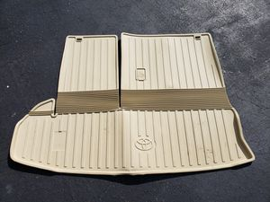 Genuine Toyota Rear Cargo Liner (Flaxen Tan) for 2014-2019 Toyota Highlander! for Sale in Olney, MD