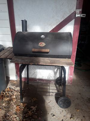 BBQ Charcoal Grill for Sale in La Vergne, TN