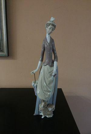 Genuine Lladro Porcelain Figurine for Sale in Laguna Hills, CA