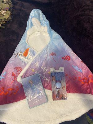 Princess Elsa blanket cape set for Sale in Miami, FL