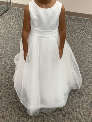 New flower girl dress size 6 for Sale in Cleveland, OH