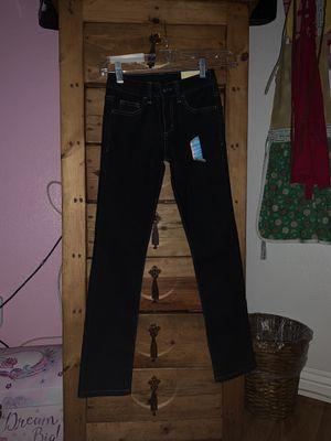 Skinny pants Size 8s in girls for Sale in Las Vegas, NV