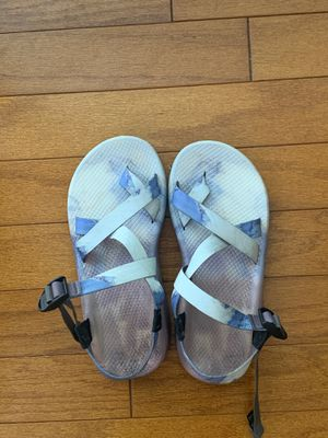 Brand new* Unisex Mountain Chacos size 8 for Sale in Alafaya, FL