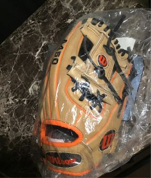 """NEW Wilson A450 baseball glove 11 1/2"""" inch RTH infielder outfielder for Sale in Stockton, CA"""