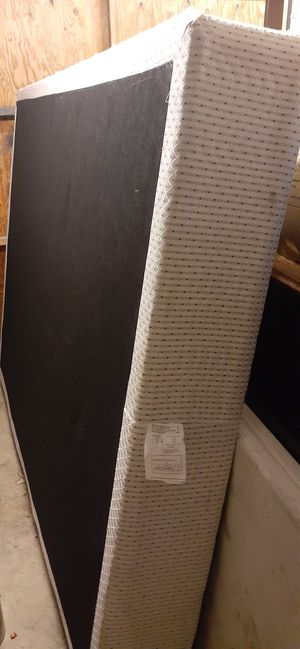 Free queen box spring for Sale in Huntington Beach, CA