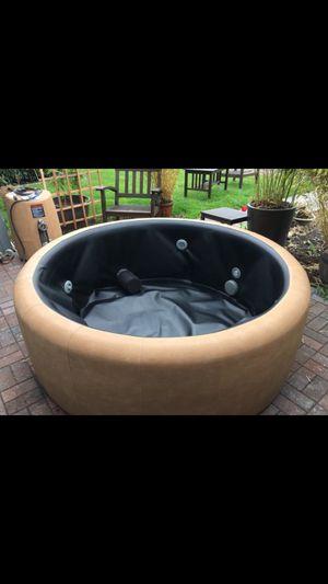 Soft Hot Tub T220 for Sale in Tacoma, WA