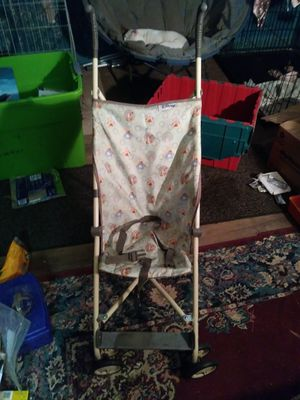 Collapsible Winnie the Pooh stroller for Sale in Columbus, OH