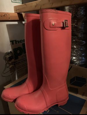 Pink Hunter rain boots size 7 for Sale in Richmond, TX