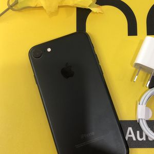 Factory unlocked iPhone 7 32gb, store warranty for Sale in Cambridge, MA