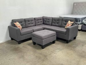 Sectional with ottoman grey for Sale in Phoenix, AZ