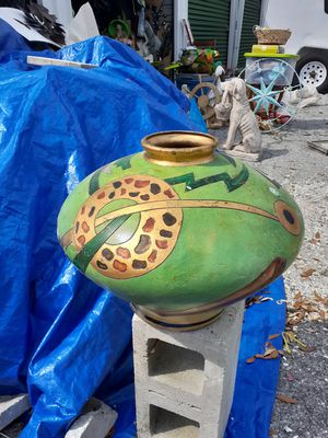 Cool large colorful abstract vase for Sale in Dunedin, FL