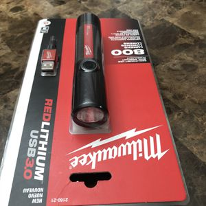 Milwaukee 800 Lumens LED Rechargeable Flashlight. for Sale in Happy Valley, OR