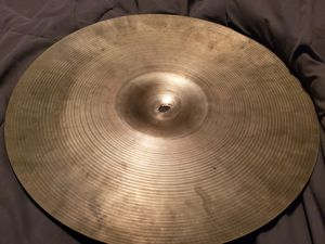 Zildgan 18in cymbal for Sale in Tacoma, WA