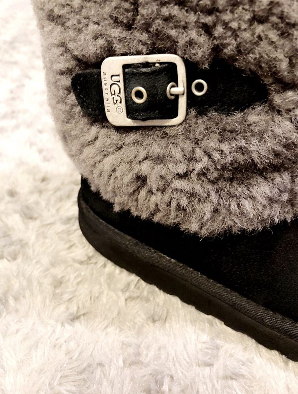Girls UGG Sheepskin boots paid $158 size 3 Black Boots Pull On Boots Good condition! Normal wear. Super cute boots!