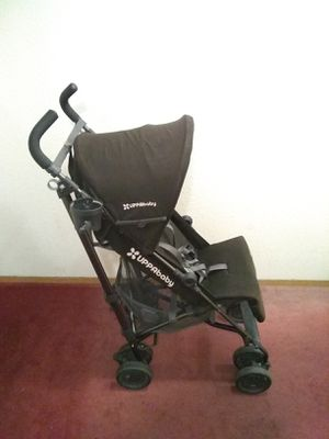 Uppababy G-Luxe stroller with rain cover for Sale in Seattle, WA