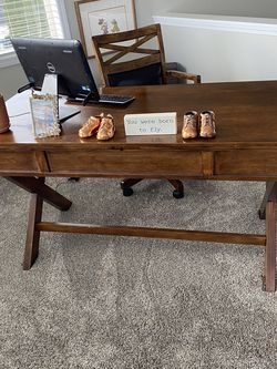 Ashley Solid Wook Office Desk for Sale in Vancouver,  WA