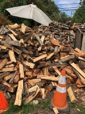 firewood quarters plus kindling for Sale in Bakersfield, CA