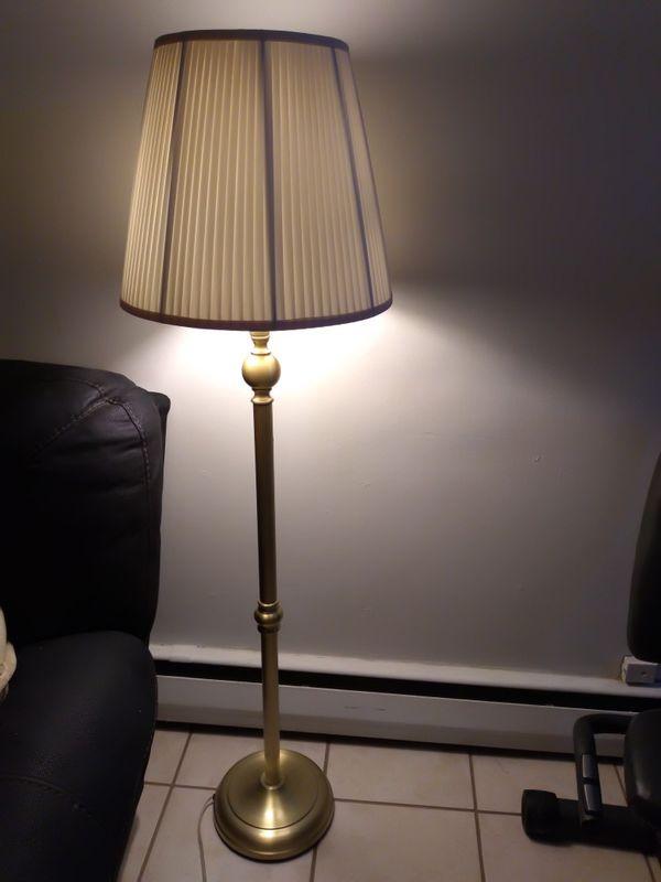 Lighting floor lamp