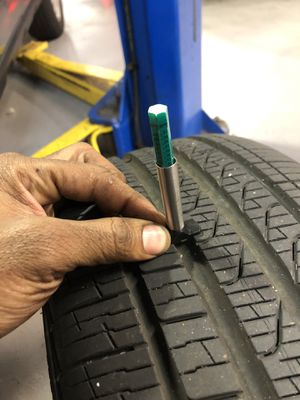 Tire .... size ——-> 225/40 R18 92H for Sale in Brooklyn, NY