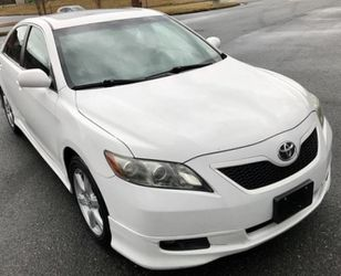 White 2009 Cruise Control Toyota Camry for Sale in Baltimore,  MD