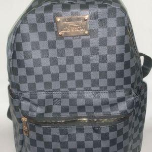Louis Vuitton bag for Sale in Des Moines, IA