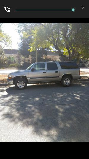 Parting out my 2001 Chevy Suburban 4 wheel drive for Sale in Pasadena, CA